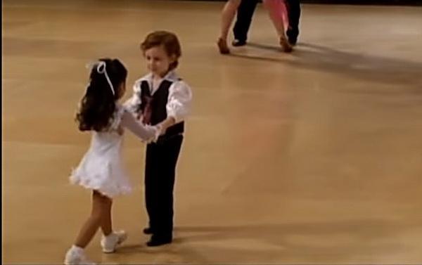 Эти малыши со своим танцем набрали 5 млн просмотров!