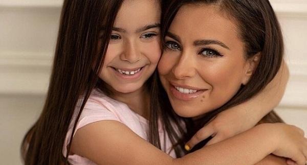 Во время модного показа дочка Ани Лорак появилась в роскошном наряде