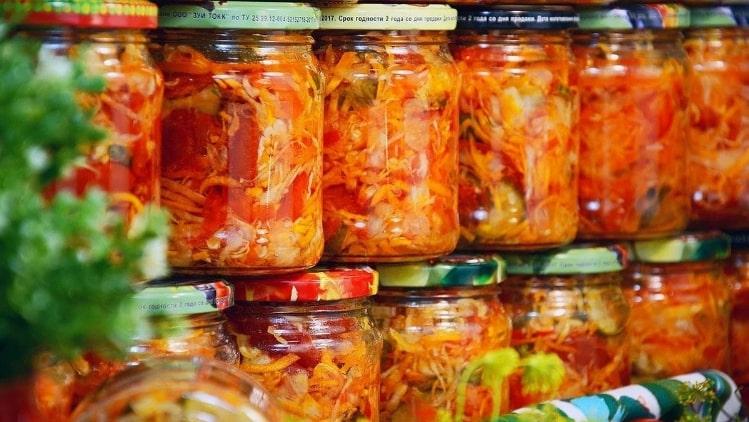 Вкусный овощной салат на зиму. Гости будут в восторге!