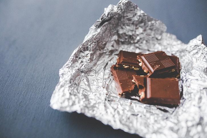 Мальчик растопил сердце мачехи шоколадкой