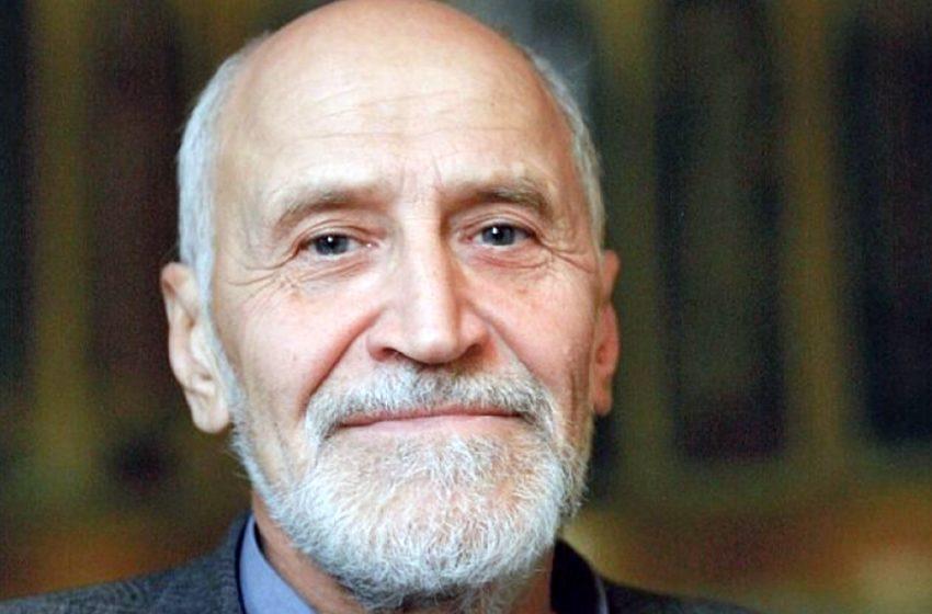 Николаю Дроздову 83 года. Как поживает легендарный ведущий и как сложилась судьба программы «В мире животных»?