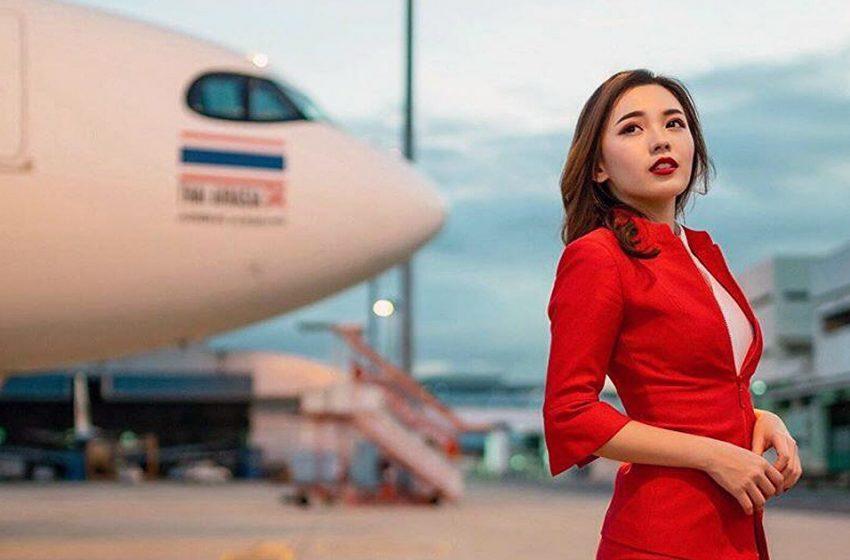 «Эффектная»: самая привлекательная стюардесса в мире опубликовала пикантное фото в ванне